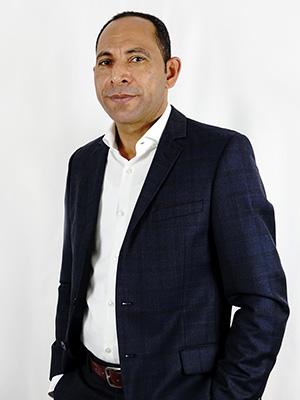 https://www.aymando.de/wp-content/uploads/2019/04/ayman-elbetar-2021.jpg