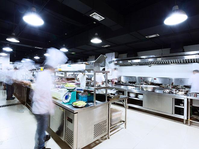 AYMANDO PERSONALDIENSTLEISTUNGEN - Unsere Helfer in der Küche